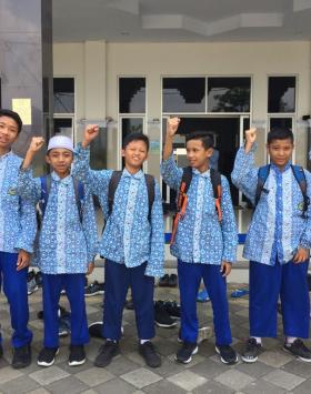 batik seragam sekolah hidayatullah