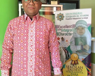 Seragam Batik Guru Hidayatullah